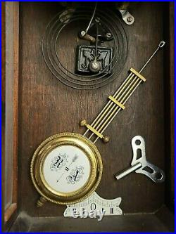 Vintage/Antique JUNGHANS Ornate German Pendulum Wall Mounted Clock
